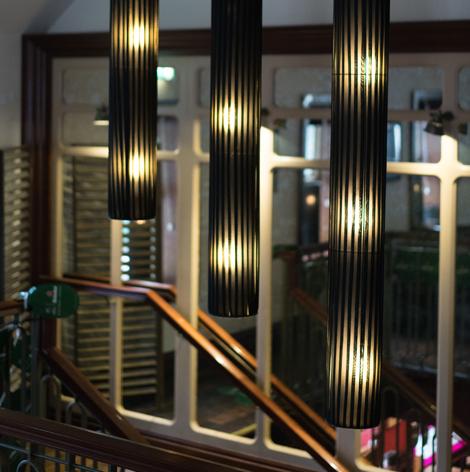oneills-bar-restaurant-interior-01