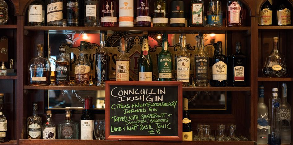 oneills-bar-restaurant-interior-spirits-cabinet