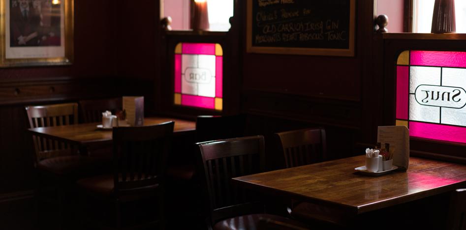 oneills-bar-restaurant-interior-tables